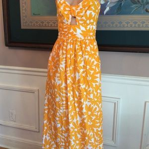 Dresses & Skirts - Anthropologie whit two cut out dress